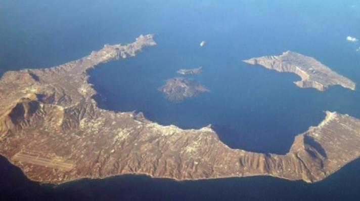 Το ηφαίστειο της Σαντορίνης «βρυχάται» ξανά - Σε «κίτρινο» συναγερμό ο κρατικός μηχανισμός (φωτό)