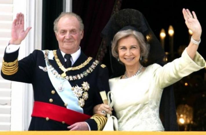 Με την ερωμένη του στην εξορία ο πρώην βασιλιάς Χουάν Κάρλος - «Έχει να κοιμηθεί με τη Σοφία από το 1976» (Photos)