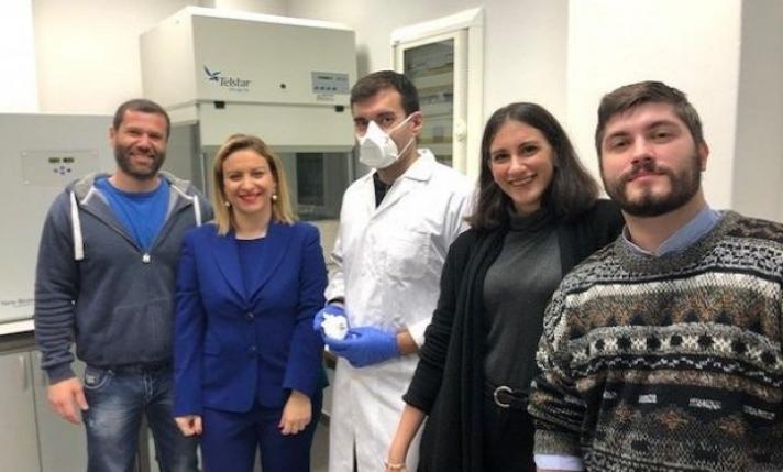 Τι βρήκαν 40 ερευνητές του ΑΠΘ που «εξουδετερώνει» τον κοροναϊό