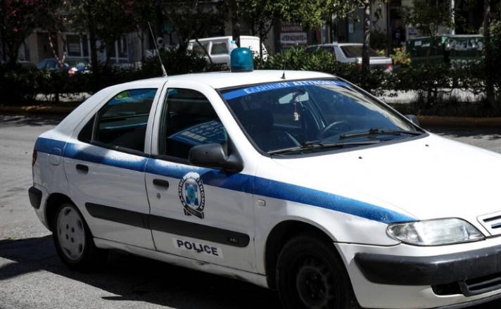 Λάρισα: «Πάγωσαν» οι αστυνομικοί - Δείτε τι βρήκαν στην αυλή του