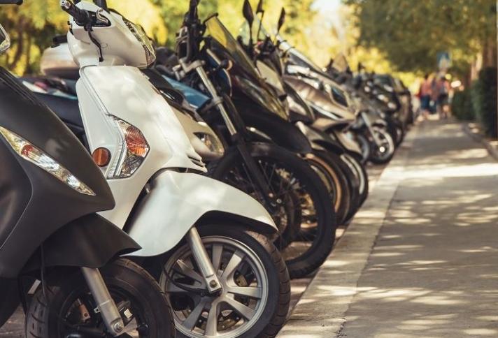 Υπουργείο Μεταφορών: Δεν ισχύει η οδήγηση μηχανής έως 125 κυβικά με δίπλωμα αυτοκινήτου
