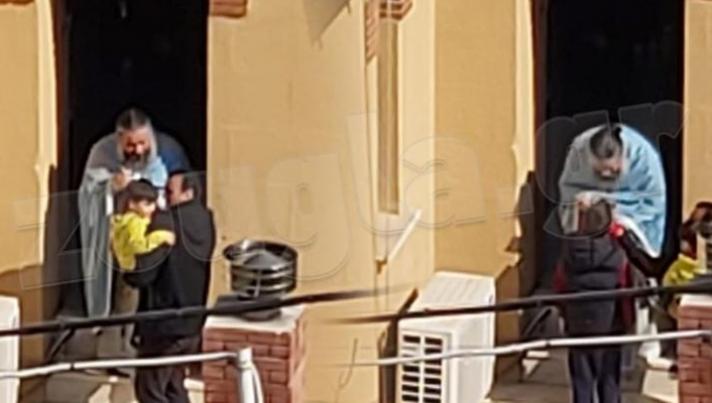 Κορωνοϊός: Γείτονες τσακώνονται στο Κουκάκι για τις φωτογραφίες με τον ιερέα (Video)