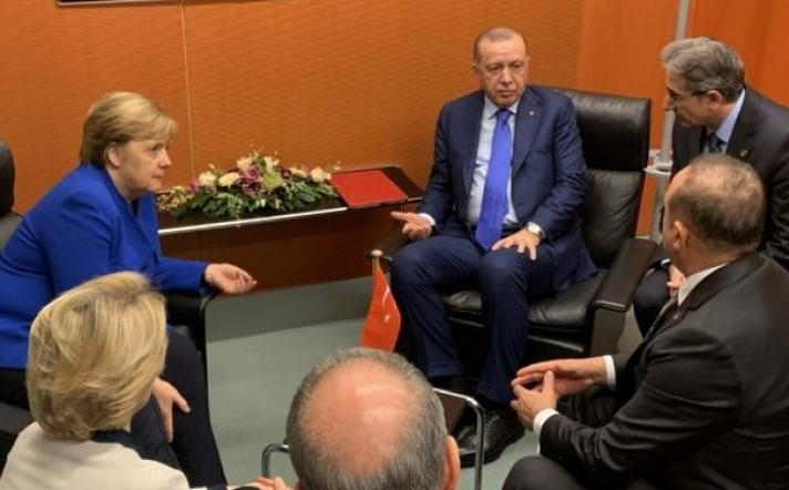 Ο Ερντογάν μεγάλος χαμένος της Διάσκεψης για τη Λιβύη – Έφυγε νωρίτερα νευριασμένος