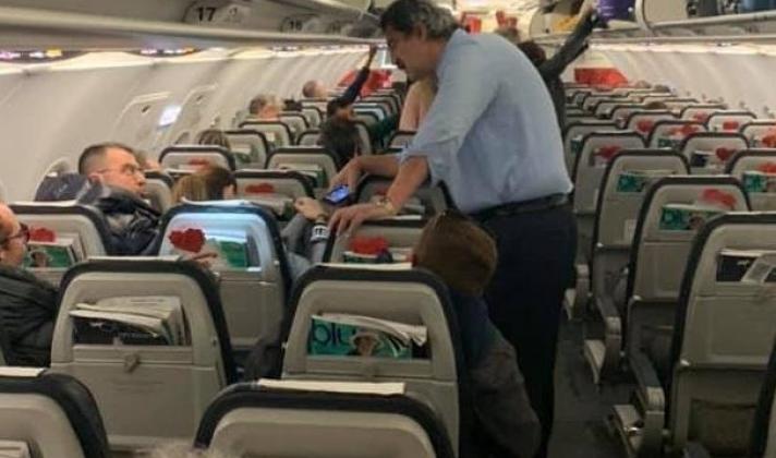 Επεισόδιο στο αεροπλάνο με Πολάκη - Κουρτάκη