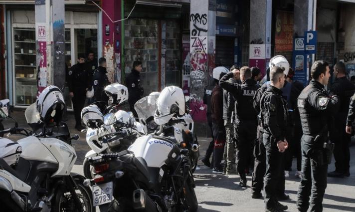 Βίντεο – ντοκουμέντο από τη συμπλοκή αλλοδαπών στο κέντρο της Αθήνας με έναν νεκρό