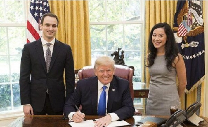 Ο ομογενής Μιχαήλ Κράτσιος ανέλαβε υφυπουργός Άμυνας των ΗΠΑ
