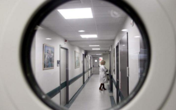 Αυξάνονται τα νοσοκομεία που θα έχουν τη δυνατότητα να νοσηλεύουν περιστατικά COVID-19