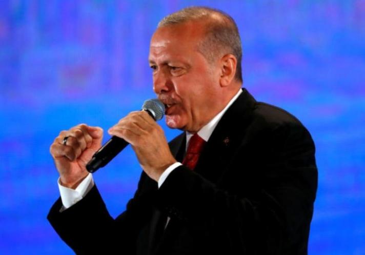 Τηλεφώνημα στη Μέρκελ αλλά και απειλές από Ερντογάν! «Θάψαμε όσους ήθελαν να διαλύσουν τη χώρα μας!»