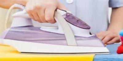 Η χαρά της νοικοκυράς... ρομπότ σιδερώνει ρούχα