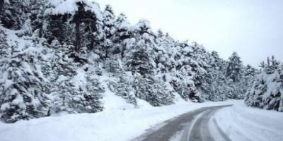 Σφοδρή χιονόπτωση στην Ήπειρο - Πάγωσαν οι πηγές στα Τζουμέρκα
