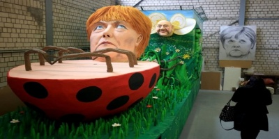 Καρναβάλι της Κολωνίας: Τα σαρκαστικά άρματα με πρωταγωνιστές Μέρκελ, Τράμπ, Μέι