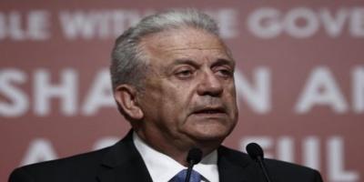 Αβραμόπουλος: Κυρώσεις στις χώρες που αρνούνται τους πρόσφυγες