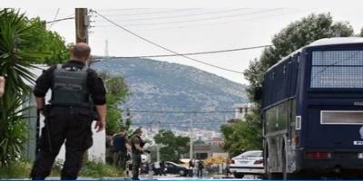 Δεκάδες προσαγωγές και ναρκωτικά σε καταυλισμό στο Μενίδι