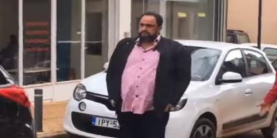 Ο Βαγγέλης Μαρινάκης δίπλα στους πλημμυροπαθείς της Μάνδρας
